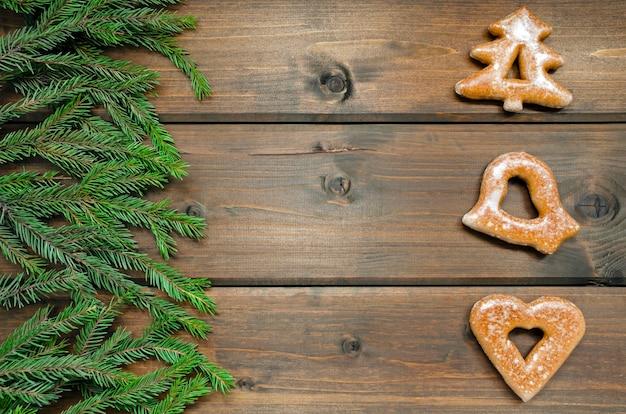 ジンジャーブレッドクッキーとモミの枝