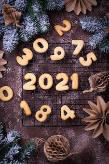 Пряники новогоднее печенье в форме цифр 2020