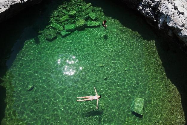 ギリシャ、タソス島の giola ナチュラル プール