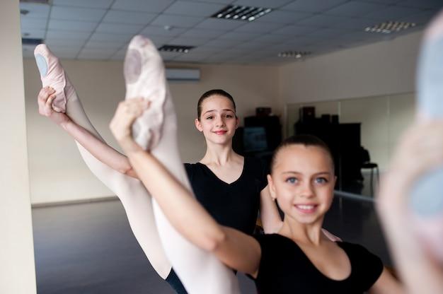 Girl ballet, растяжка, обучение, хореография