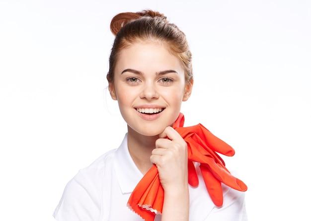 ゴム手袋で掃除する女の子