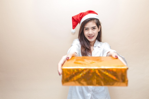 The girl and her gift box are derived from christmas day.