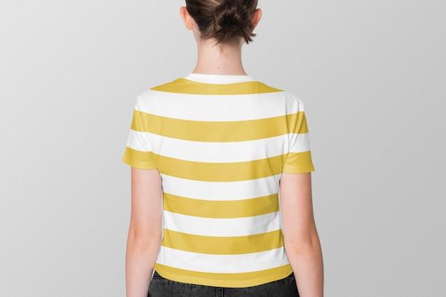 黄色の縞模様のtシャツの女の子10代の夏のアパレル撮影背面図