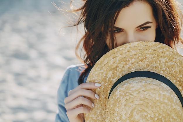 해변에서 여자