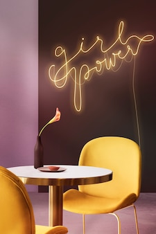 Insegna al neon girl power in un caffè autentico