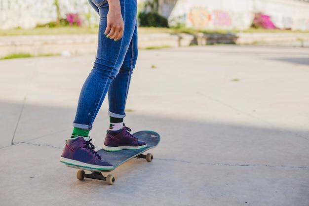 女の子、スケートボード、屋外