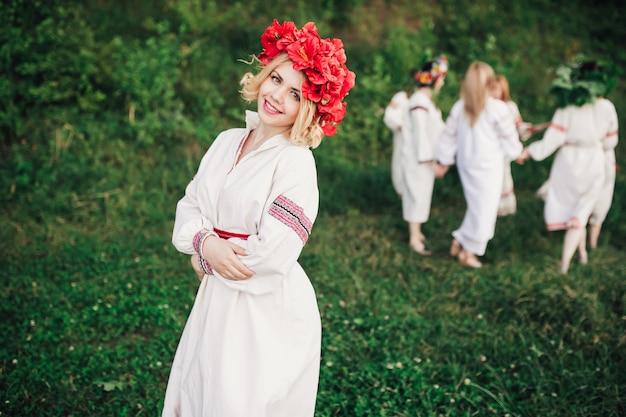 Девушка в традиционной украинской одежде