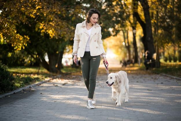 강아지와 소녀