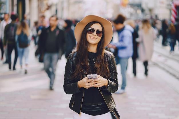イスタンブールの電話で女の子