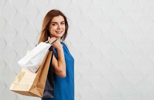 쇼핑백과 소녀