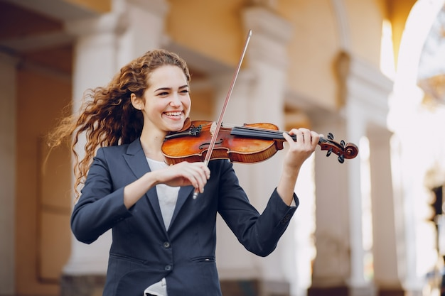 Girl with violon
