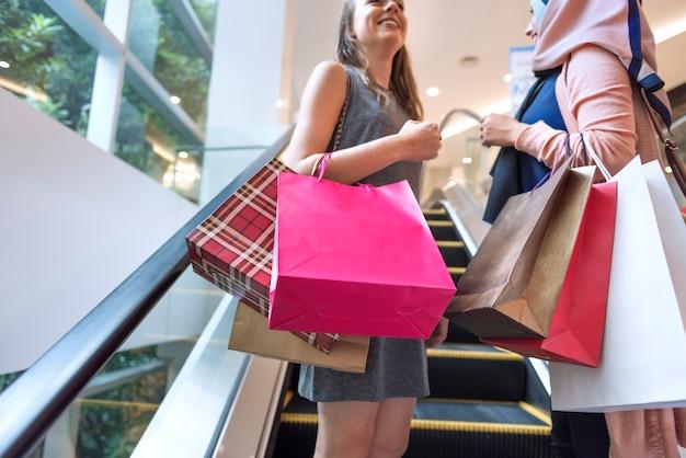 쇼핑 개념 을가 여자 친구