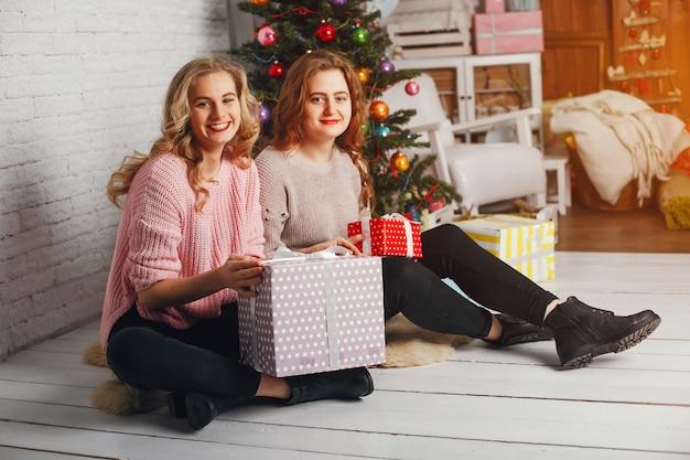Девушки и рождество