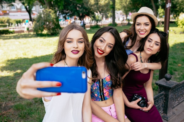 Girls making a photo