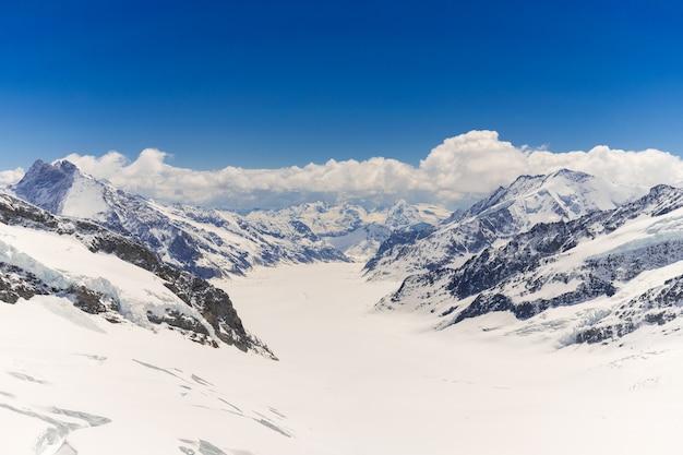 융프라우 요흐의 정상에있는 빙하