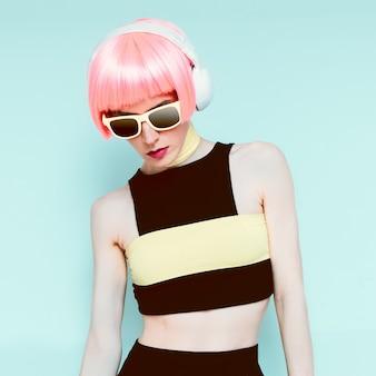 Glamour model dj vanilla style