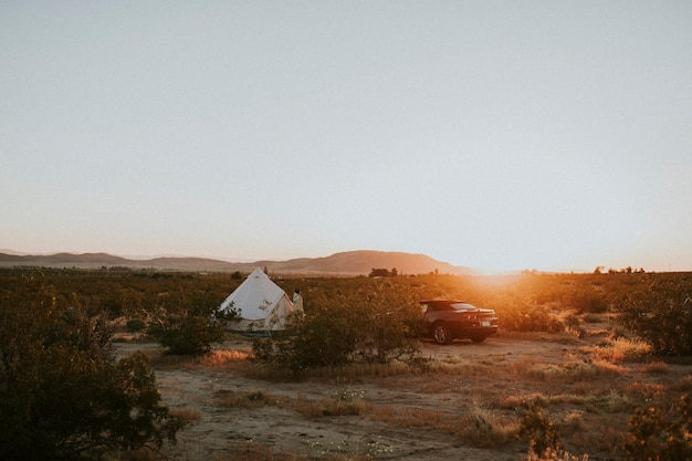 カリフォルニアの砂漠でのグランピング
