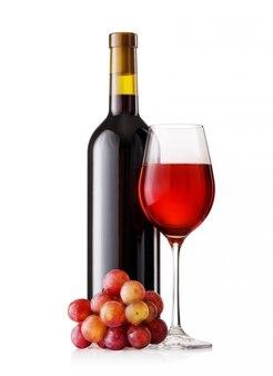 ガラスとブドウと赤ワインのボトル