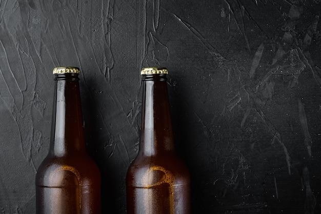 검은 돌 테이블에 맥주 유리 병 세트, 평면도 평면 누워