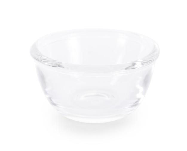 白い背景で隔離のガラスのボウル。
