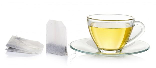 分離されたお茶のガラスのコップ