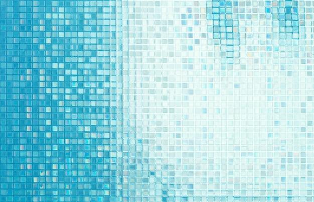 Стеклянная мозаика в ванной комнате.