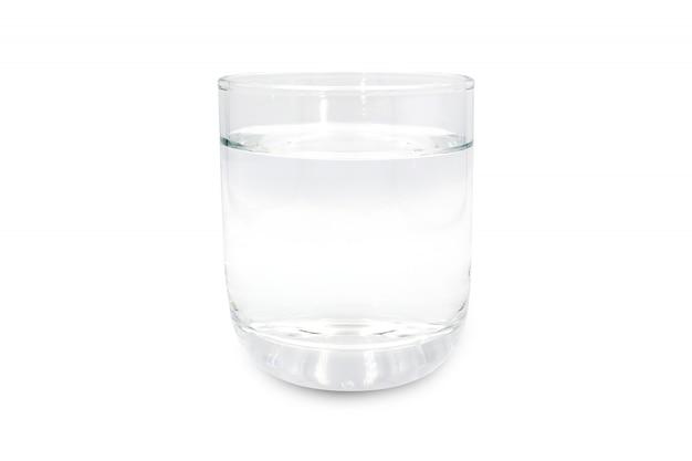 白い背景で隔離の飲料水のガラス。