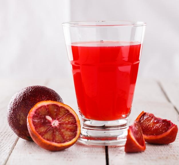 絞りたてのオレンジジュース、ブラッドオレンジのガラス