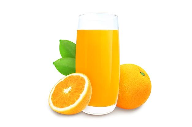 Стакан апельсинового сока изолировать на белом