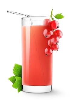 붉은 건포도 음료와 흰색 배경에 고립 된 신선한 딸기의 유리