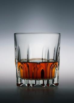 スコッチウイスキーのグラス