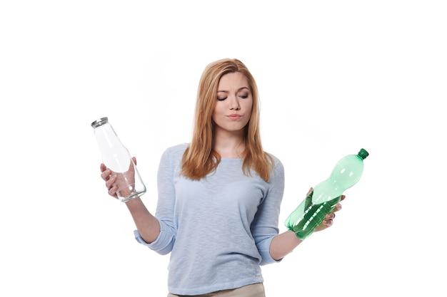 유리 또는 플라스틱 중 어느 것을 선택합니까?