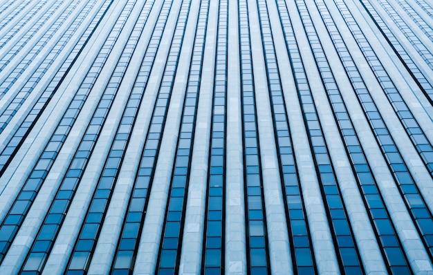 高層ビルのガラスの壁