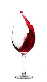 赤ワインのスプラッシュとガラス
