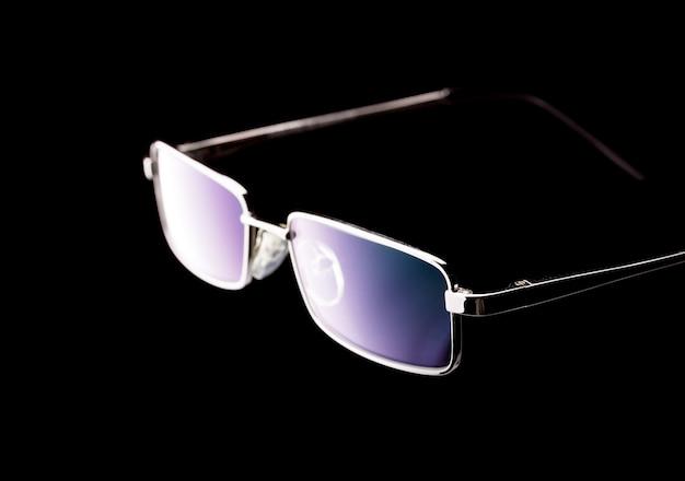黒のメガネ