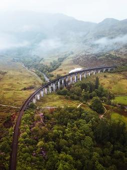 스코틀랜드 인버네스셔의 글렌피넌 고가교 철도