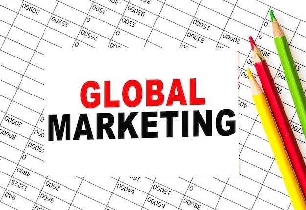 글로벌 마케팅. 연필로 종이. 개발, 은행 계좌, 통계 투자 분석 연구 데이터 경제, 거래, 비즈니스 개념.