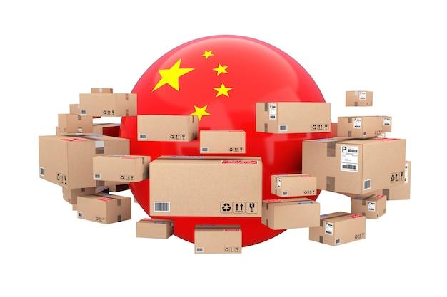 글로벌 배송 및 물류 개념. 흰색 배경에 소포 상품이 있는 골판지 상자로 둘러싸인 중국 국기가 있는 구. 3d 렌더링.