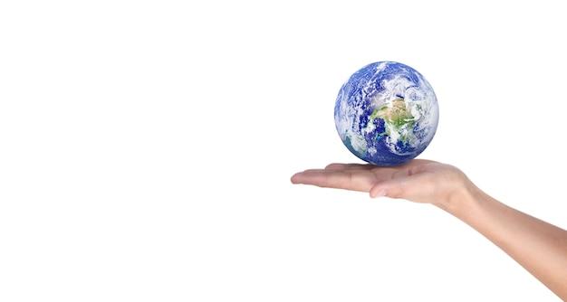 地球、人間の手で地球。 nasaから提供された地球の画像