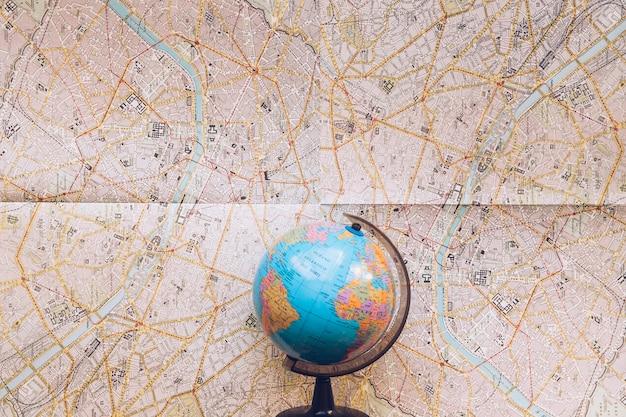 Globo posizionato sulla mappa