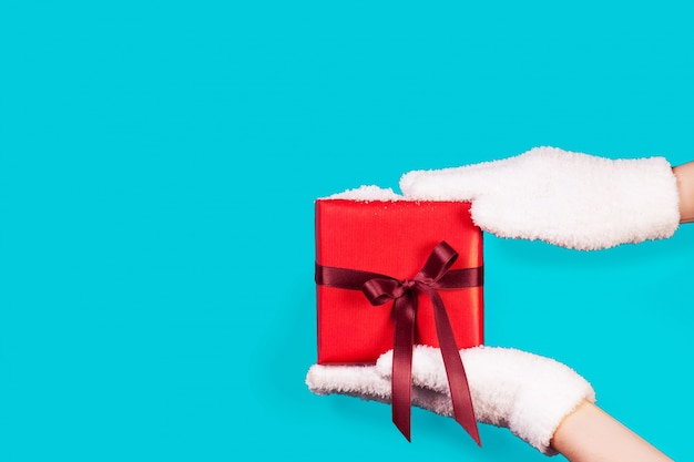 Перчатке проведение красный подарок