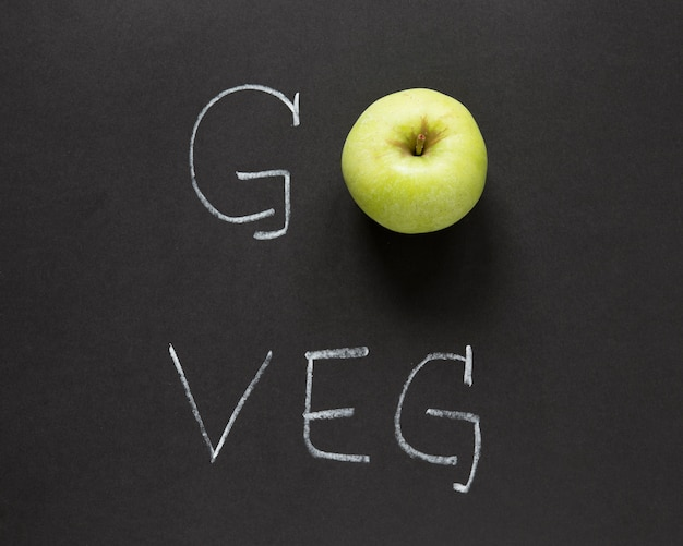 Go veg lettering with apple