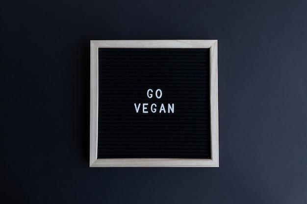 화려한 배경에 채식주의 인용판으로 이동