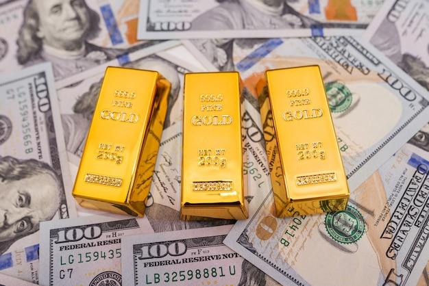 新しい米ドル紙幣の金の棒