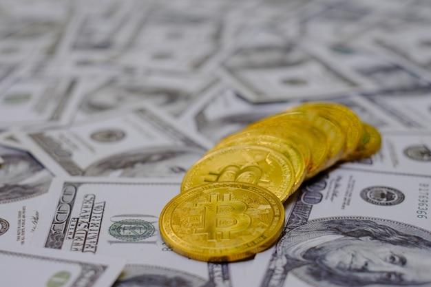 돈 100 usd 달러의 그룹에 금 bitcoin 동전 암호 화폐