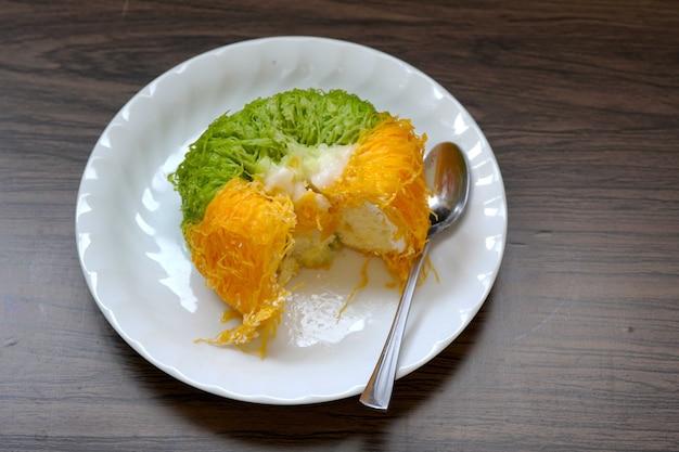 金卵黄糸ケーキまたはケーキフォイトングタイケーキ