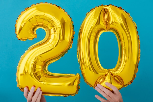Gold foil number 20 celebration balloon