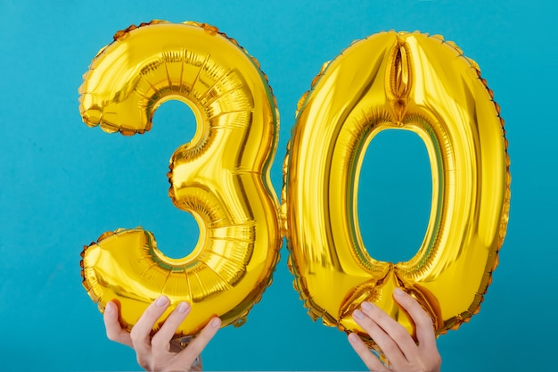 Gold foil number 30 thirty celebration balloon