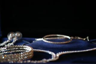 Gold jewelry, jewelry