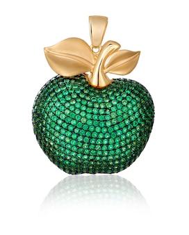 금 보석. 녹색 보석이 달린 펜던트. 사과와 비슷한 펜던트.